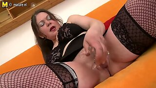 Amateur old mom fucked by young boy