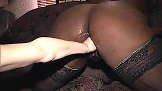 grosse black et fine blanche bien salopes avec gros godes p2