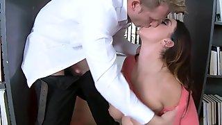 Allison Tylers pussy stuffed by Bill Bailey