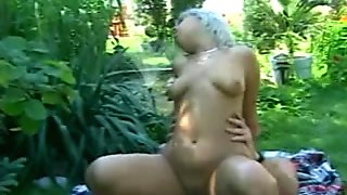 Blonde amateur girlfriend outdoor action with cum in mouth